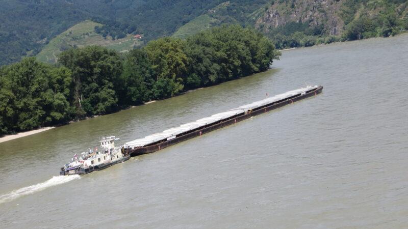 Wieder uneingeschränkter Schiffsverkehr auf der Donau